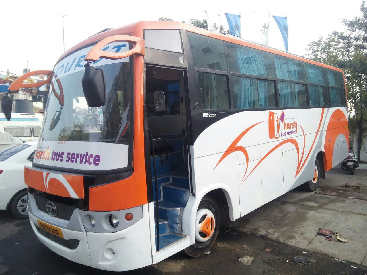 33 Seater non ac mini bus